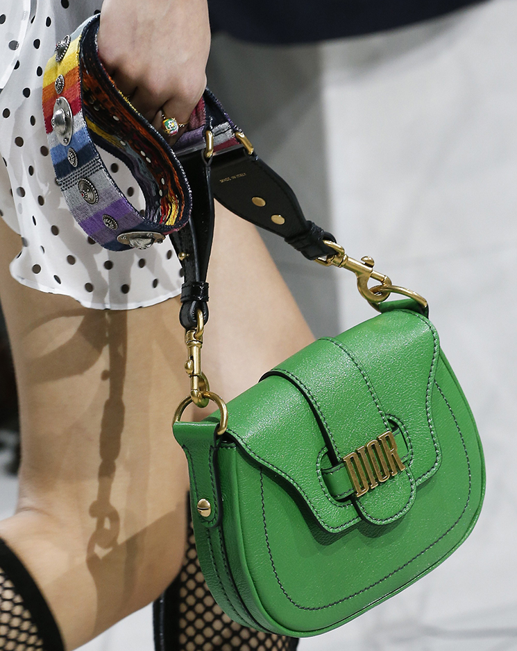 To acquire Dior Replica spring summer runway bag collection picture trends