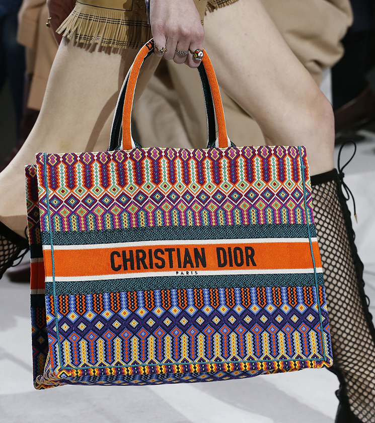 Watch - Dior Replica spring summer runway bag collection video