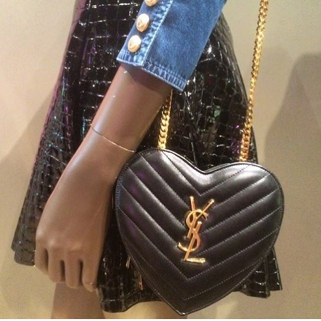 a-closer-look-at-yves-saint-laurent-love-heart-chain-bag-4